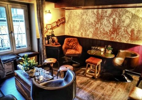 blog-geneva-little-barrel-bar-salon