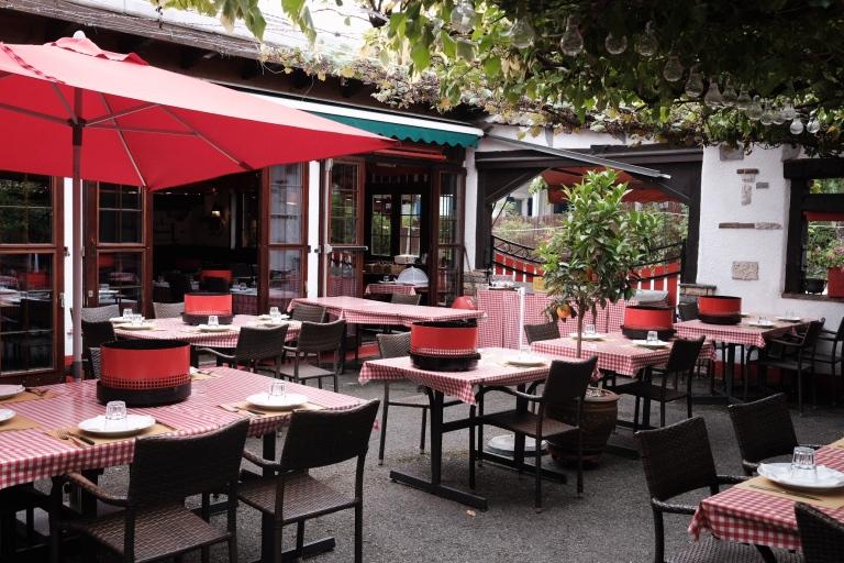restaurant-geneve-taverne-valais-charbonnade-terrasse