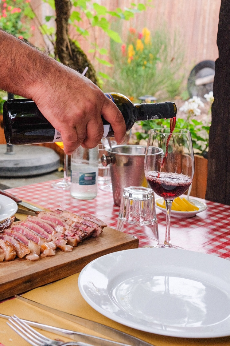 restaurant-geneve-taverne-valais-charbonnade-vin