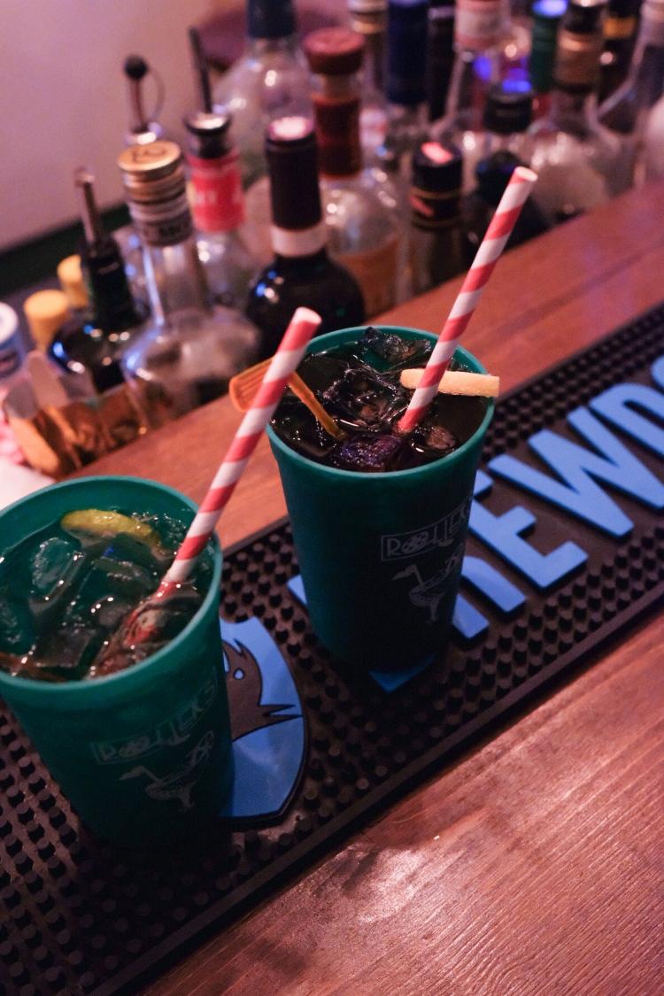roller-minigolf-bar-drinks.jpeg