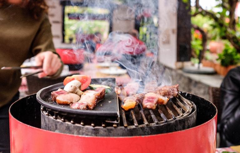 taverne-du-valais-geneve-charbonnade-grill.jpeg