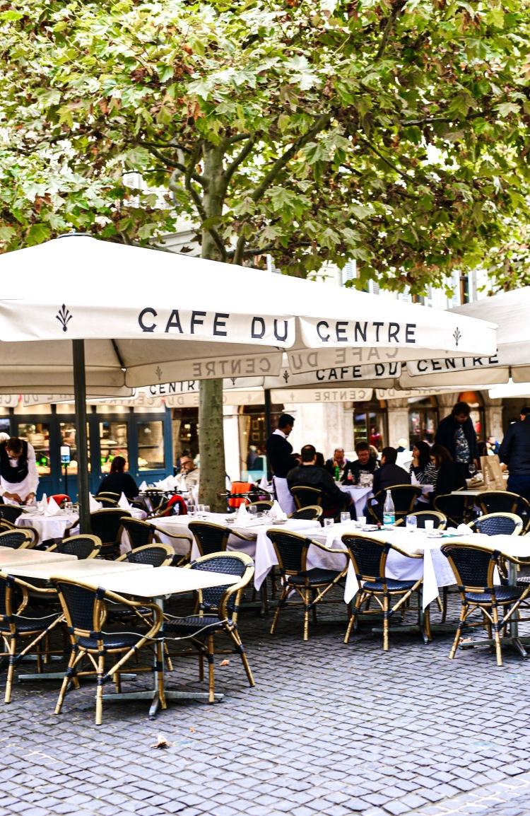 caféducentre-restaurant-geneve-placedumolard.JPG